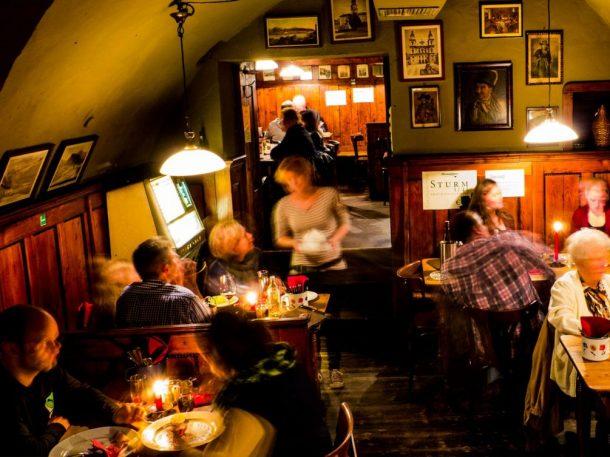Salzburg Guide Eat & Drink - Andreas Hofer Weinstube
