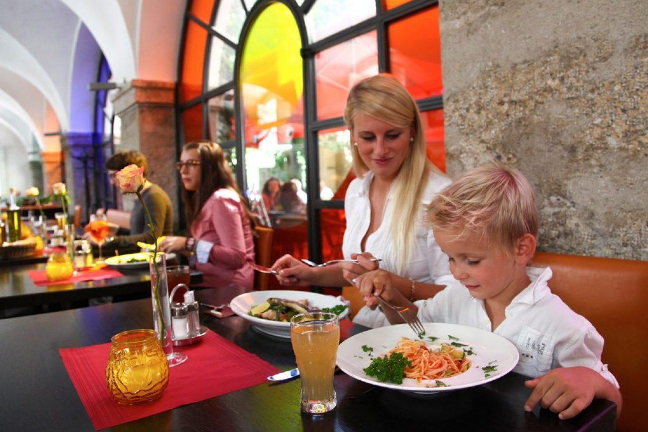 Salzburg Guide Eat & Drink - Ess Café Sarastro