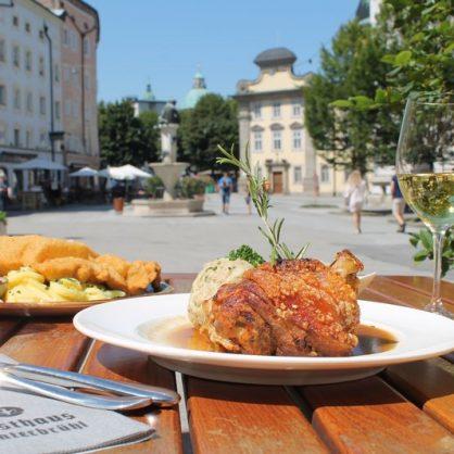 Salzburg Guide Eat & Drink - Gasthof Hinterbrühl - Schnitzel & Schweinshaxn